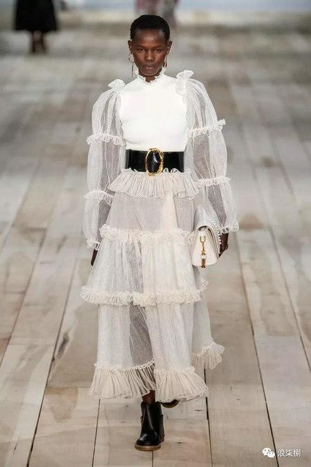 女装流行元素 褶皱,让你的设计简约不简单(图38)