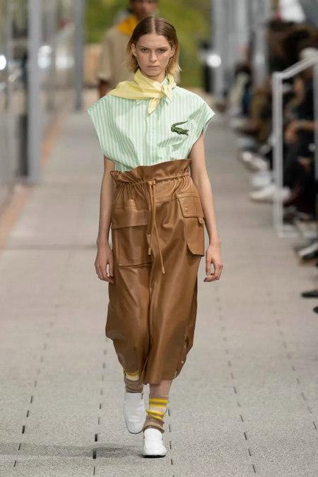女装流行趋势 2020春夏女装梭织上衣流行趋势分析(图13)