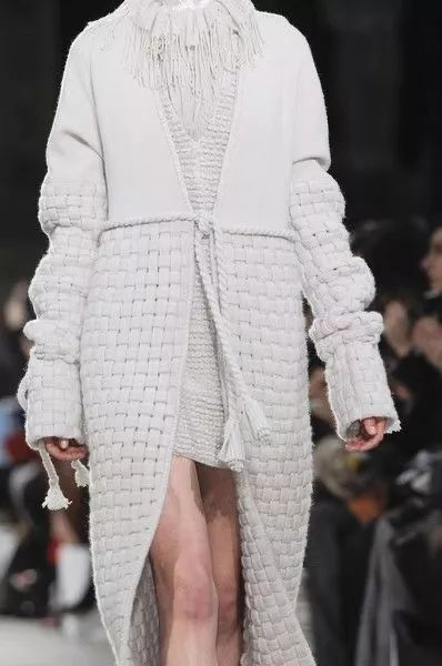 2020秋冬女士针织设计趋势 束腰设计(图9)