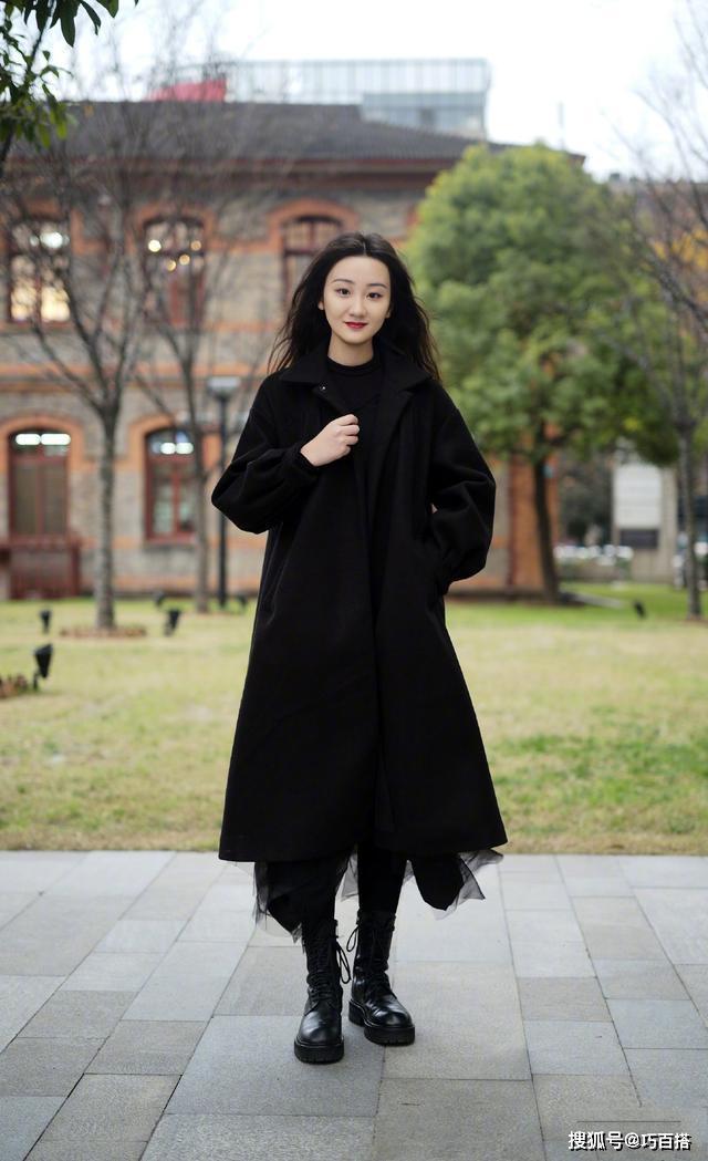 """【流】经典黑也能穿出层次感,高级又优雅,真是个迷人的""""小妖精"""""""