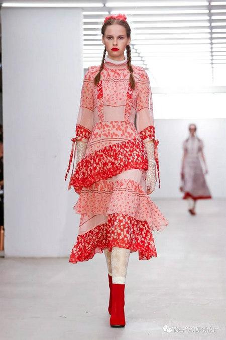 2020春夏女装流行元素 时装周的流行趋势(图18)