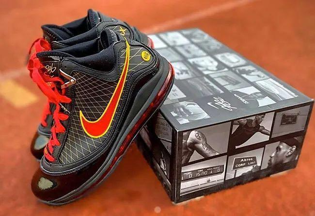 【丽】Nike LeBron 7  「Fairfax」