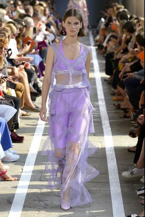 又仙又酷,年度最惊艳的流行色紫色来啦!(图27)
