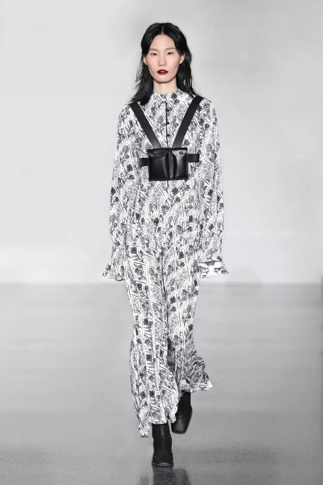 中国女装品牌_XUNRUO熏若2020秋冬发布 中国国际时装周 -服装品牌新品-服装设计网