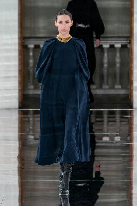 2020/21秋冬女装流行趋势 重点设计元素提炼(图9)