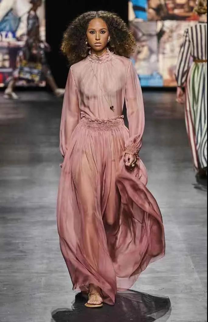 2021春夏女装色彩流行分析-中性色(图18)