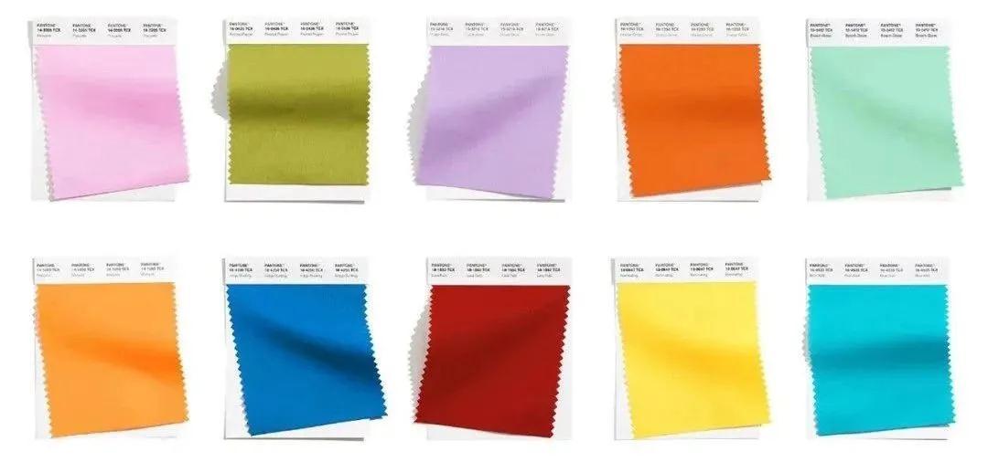 2021春夏女装流行色彩及元素 看完你就会买衣服了!(图1)
