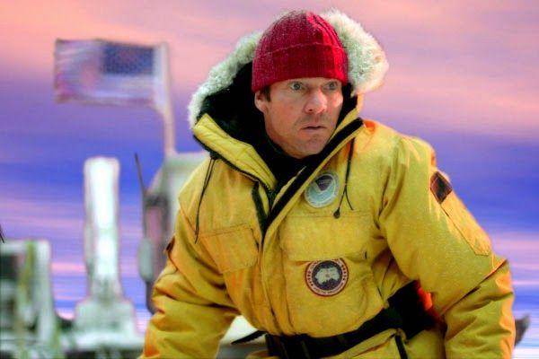 电影《后天》中丹尼斯・奎德饰演的气候学家杰克身穿加拿大鹅产品