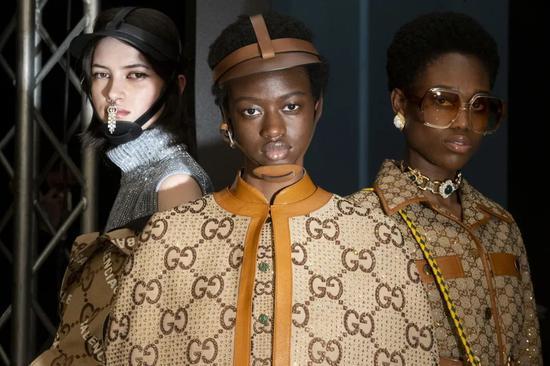 Gucci在三月份通过线上形式发布了全新的Aria系列