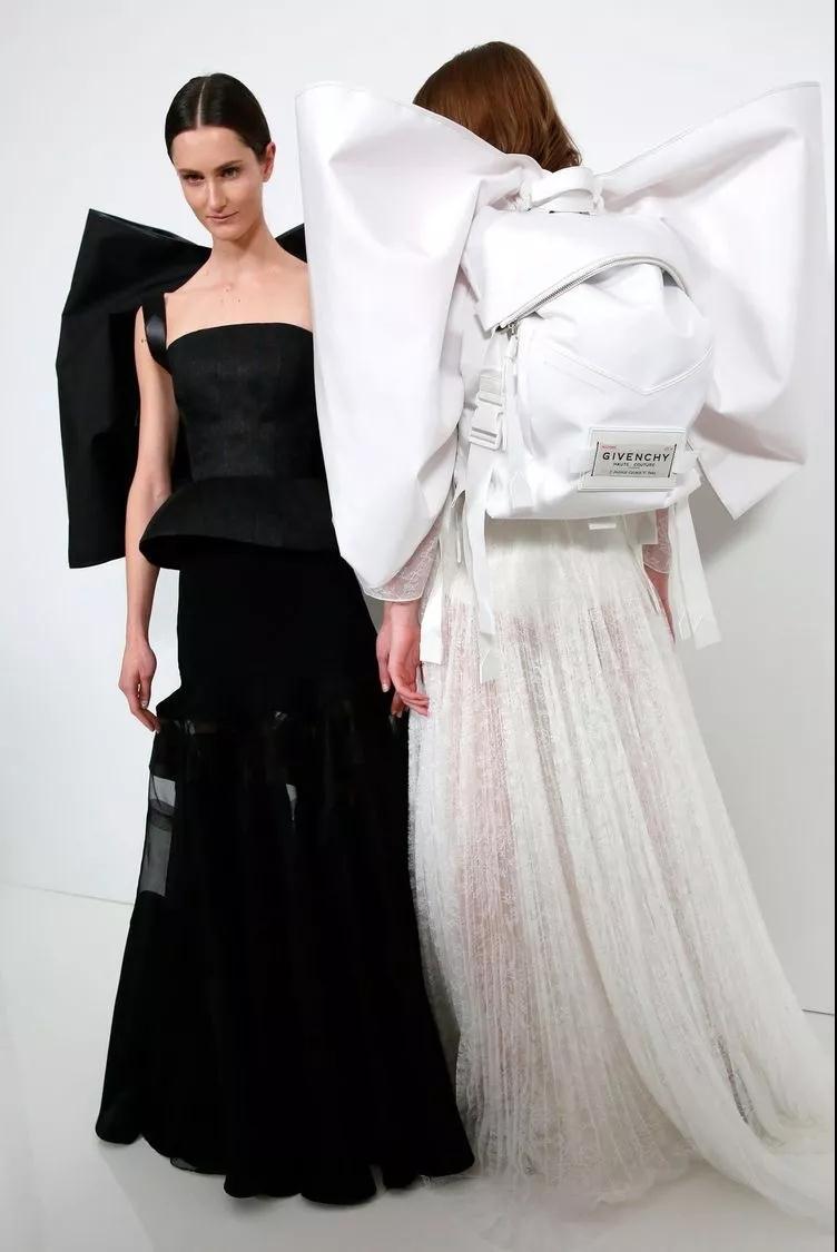 女装流行元素分析 蝴蝶结元素在服装设计中的运用(图11)