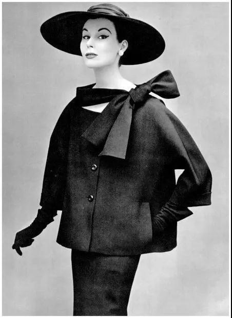 女装流行元素分析 蝴蝶结元素在服装设计中的运用(图20)