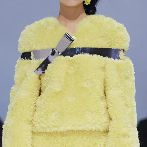 女装流行元素分析 蝴蝶结元素在服装设计中的运用(图14)
