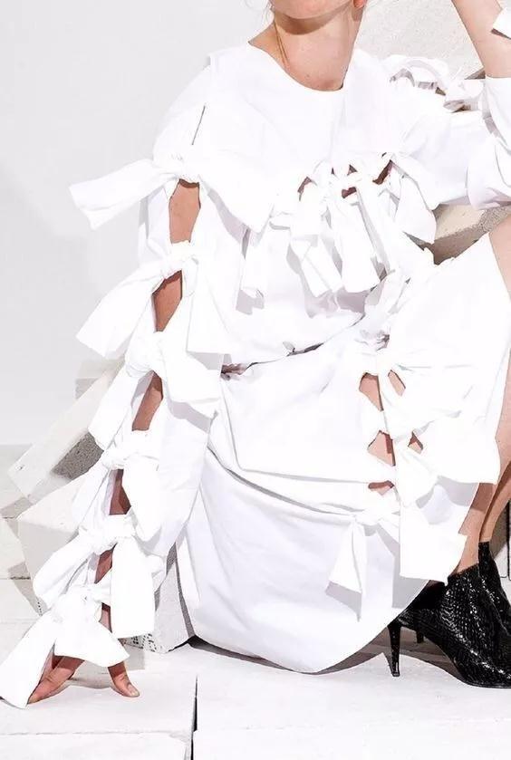 女装流行元素分析 蝴蝶结元素在服装设计中的运用(图13)