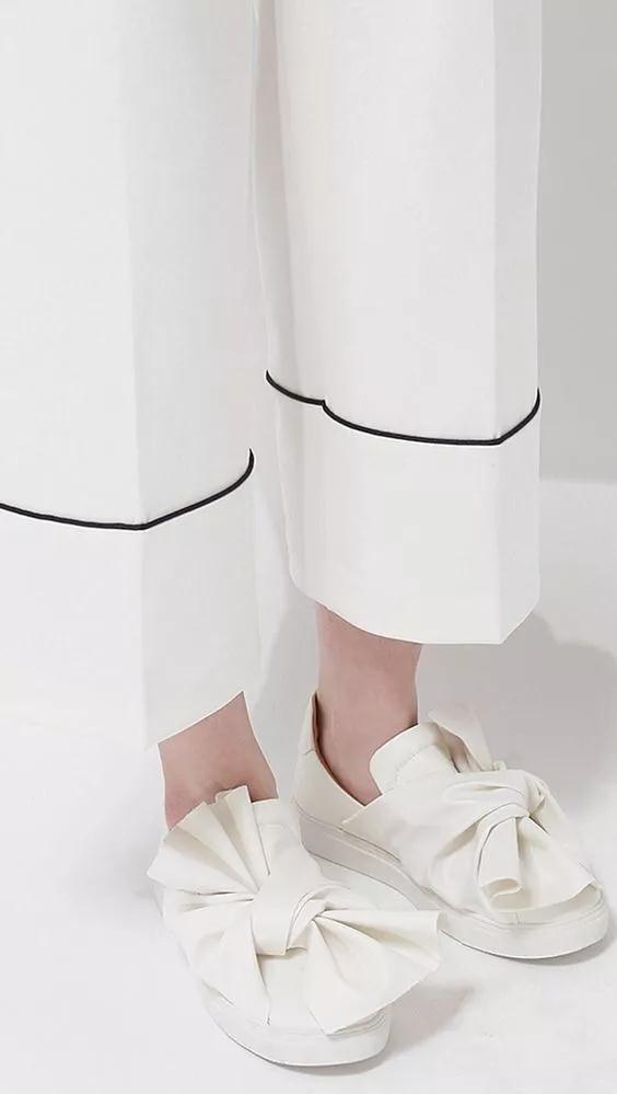 女装流行元素分析 蝴蝶结元素在服装设计中的运用(图44)