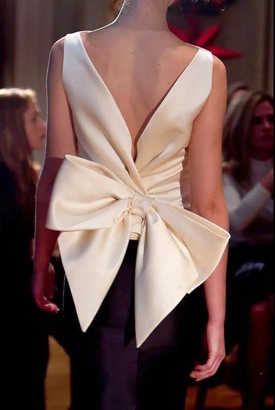 女装流行元素分析 蝴蝶结元素在服装设计中的运用(图46)