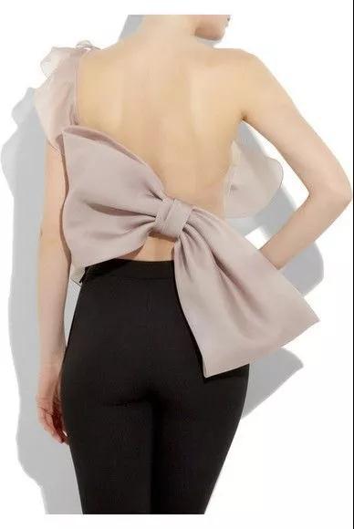 女装流行元素分析 蝴蝶结元素在服装设计中的运用(图47)
