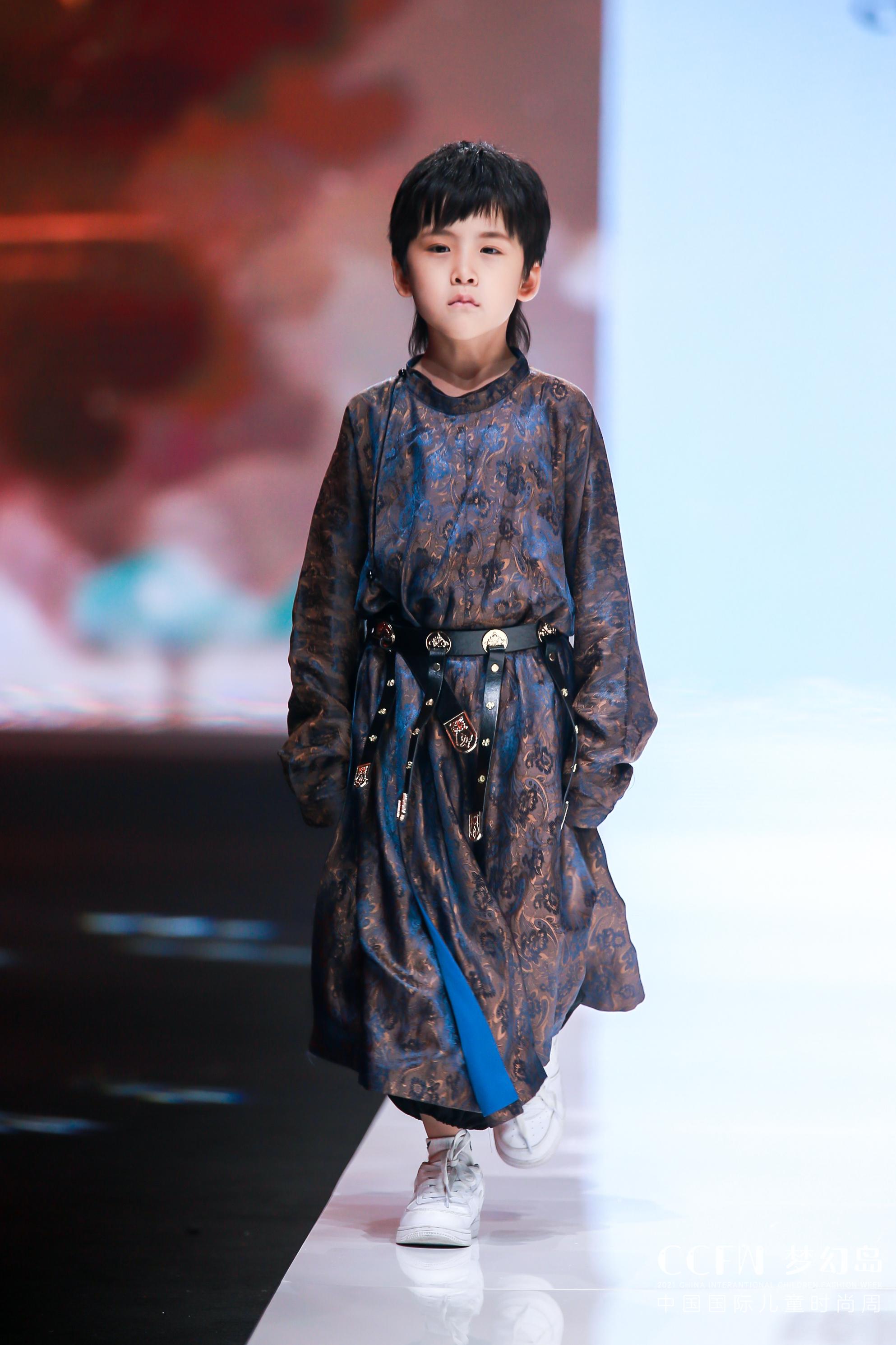 CCFW| 曦光-哪家汉服品牌专场秀