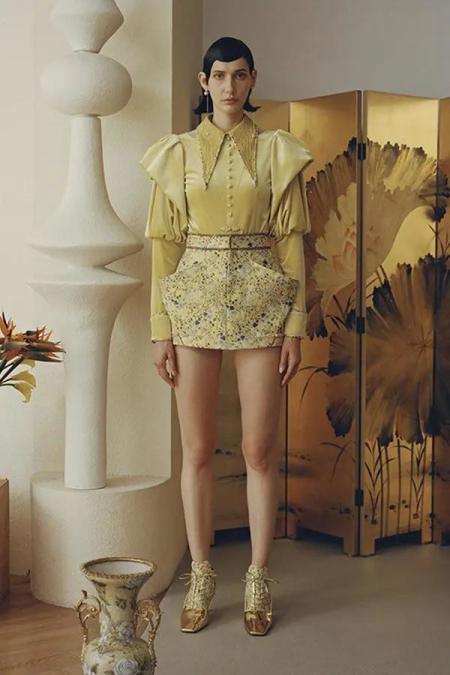 秋冬女装细节趋势 这8种领型设计让你的款式大不相同(图11)