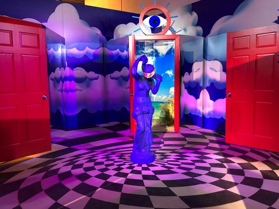 """2019年美国亚特兰大""""29 Rooms""""展览中""""Dream Doorways""""(梦想之门)艺术装置 图片来源:atlantamagazine.com"""