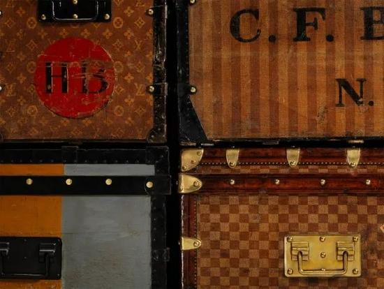 经典Louis Vuitton旅行箱的各种标志性细节