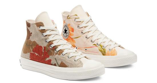 Converse Chuck 70系列帆布鞋使用了天然染料 图片来源:Converse