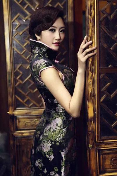 美女古典旗袍