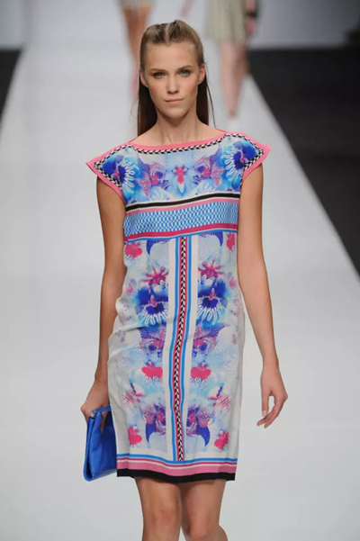 唯美民族风   服装艺术-服装设计管理-服装设计网