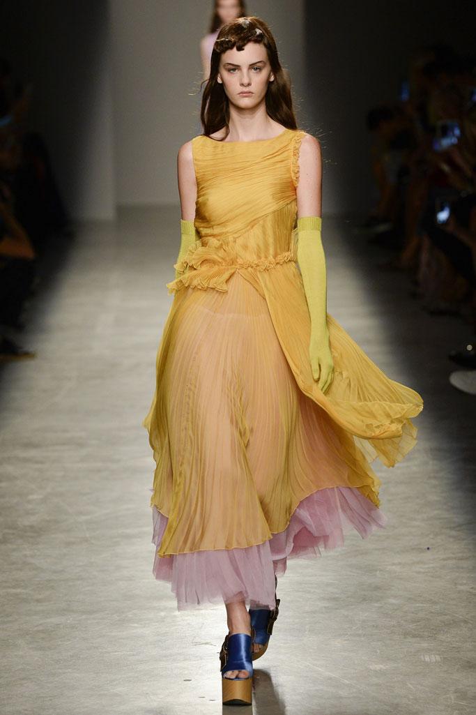 巴黎2017春夏系列时装秀-服装时装秀场-服装图片
