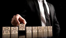 洞察不确定性,主动突围攻击的领导5法则