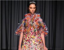 伦敦时装周| Mary Katrantzou 2019春夏系列
