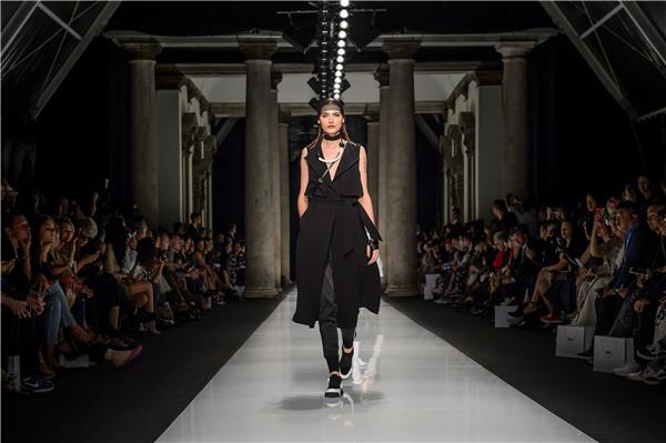 """时尚与时尚的碰撞,""""时尚深圳""""即将再次亮相米兰时装周"""