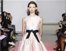 伦敦时装周上的中国设计师 �Huishan Zhang 2019 春季成衣系列