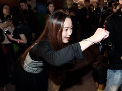 @地球上所有的摄影行家和街拍达人!广东时装周又要搞事情啦!