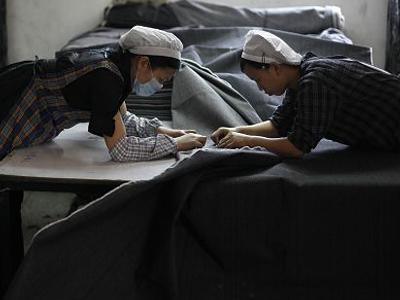 孙瑞哲与巴基斯坦总理伊姆兰・汗在京会面 中国纺织业加快全球布局的步伐