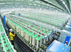 需求增�L 孟加拉����服�b�a�I�l展非常迅猛