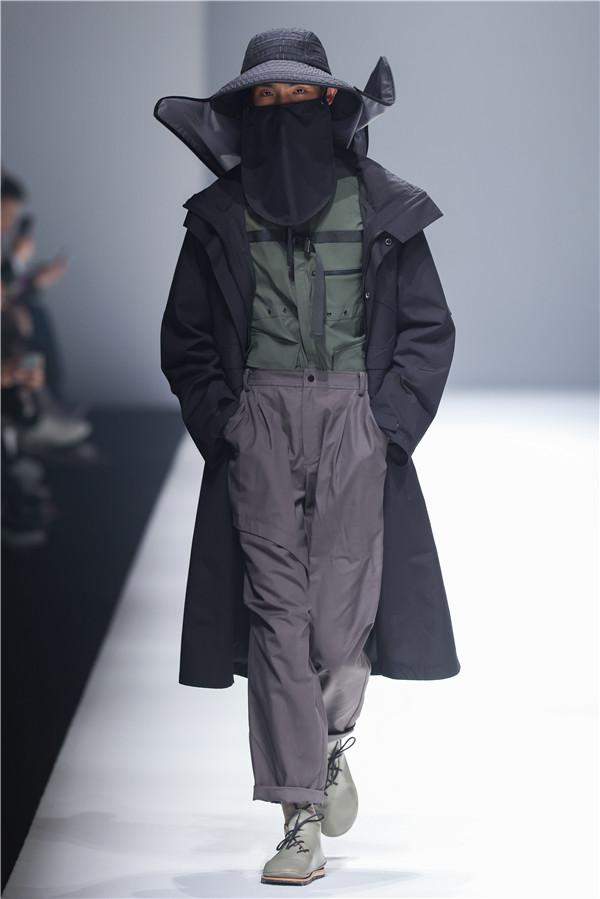 AW21上海时装周 | oqLiq 高端机能时装时尚发布