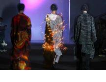 AW21上海时装周 DAY4| 周末持续时尚,在现实与梦境之间碰撞融合