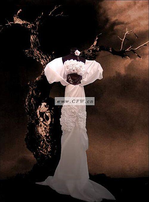 礼服设计 归属:婚纱礼服-礼服 分享: 格式:jpg 尺寸: 创意:将立体构成