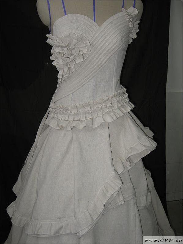 立裁礼服图片