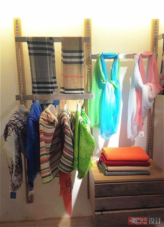 围巾陈列设计-橱窗陈列设计-服装设计
