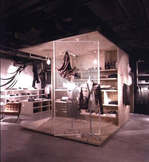 卖场复古风女装陈列-橱窗陈列设计-服装设计