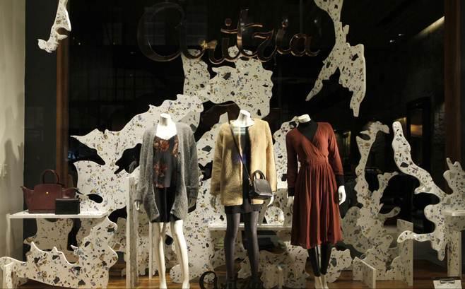 橱窗展示陈列-橱窗陈列设计-服装设计