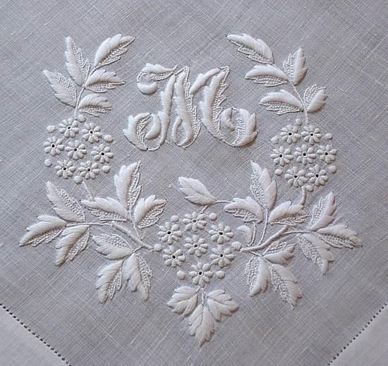 刺绣绣花-图案设计设计-服装设计