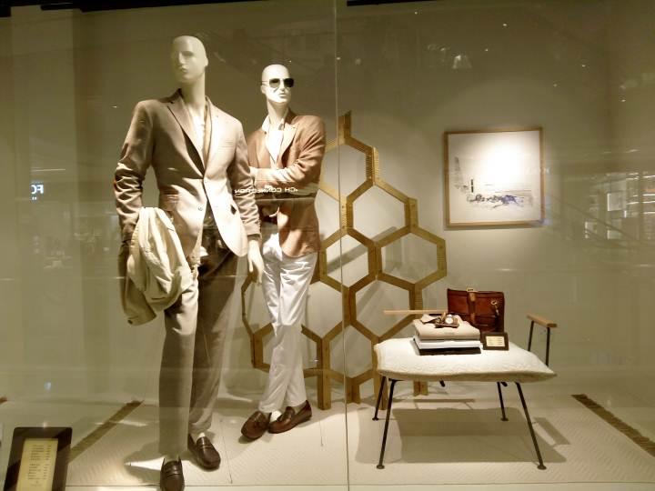 商务男装橱窗-橱窗陈列设计-服装设计