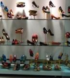 鞋类时尚、错位、性感、经典陈列