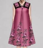 绣花连衣裙