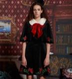 丝绒连衣裙