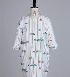 茧型印花装饰荷叶边连衣裙