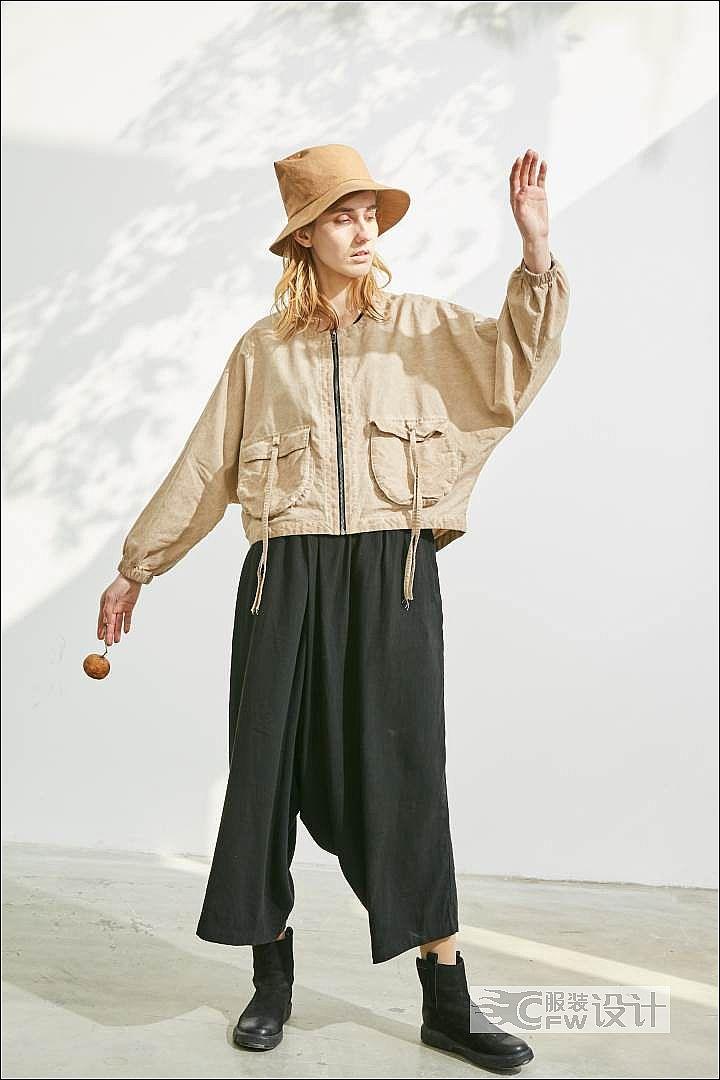 脏洗粉橘色立体袋外套作品-脏洗粉橘色立体袋外套款式图