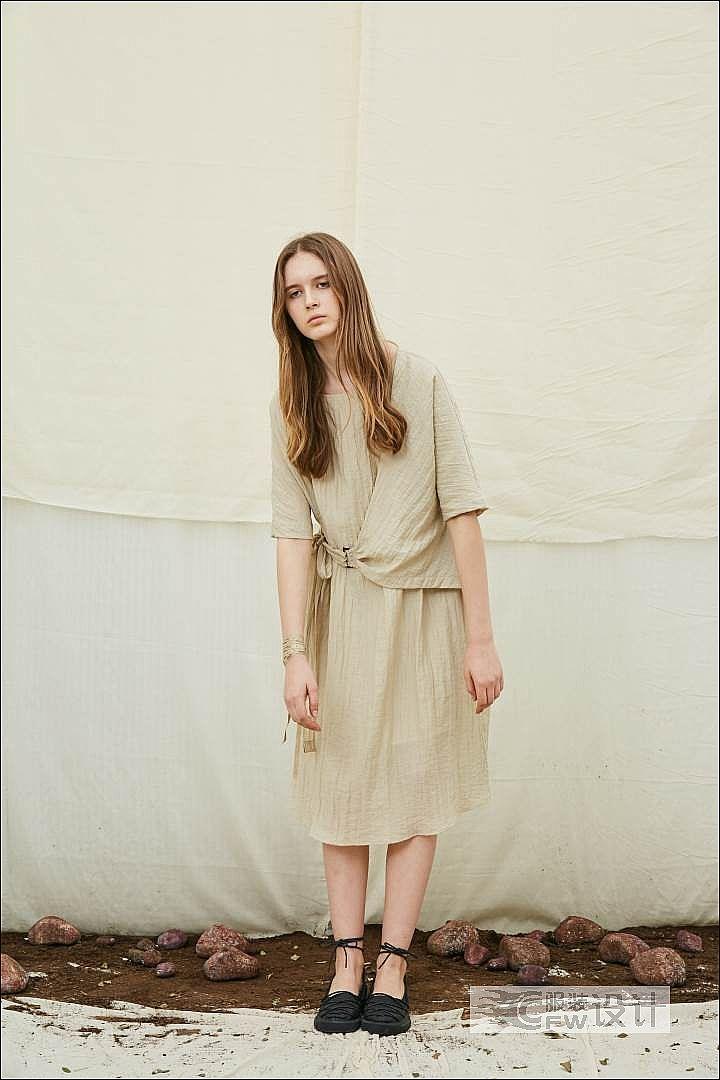 褶皱连袖调节连衣裙作品-褶皱连袖调节连衣裙款式图